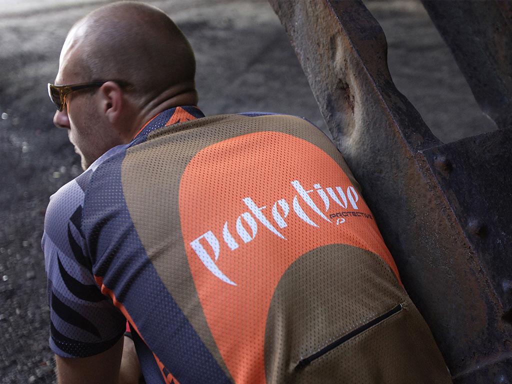 Lichtung-Agentur_fuer_visuelle_strategien-protective-bike